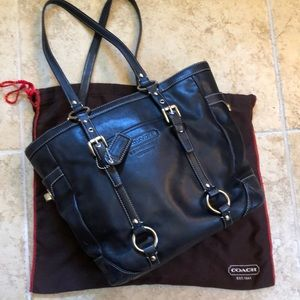 Coach Bags - Coach purse with duster